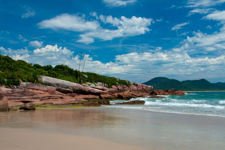 Beach in Florianópolis Brazil | © tomtsya/Shutterstock