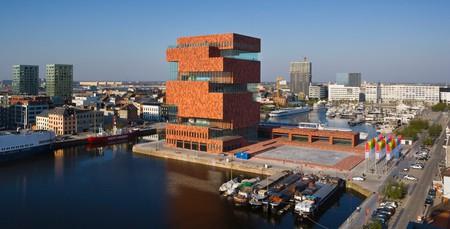Het Eilandje, with the all-important MAS museum in the middle | © Sarah Blee - Neutelings Riedijk Architecten / Courtesy of Visit Antwerp