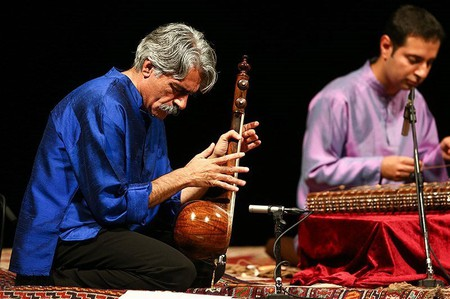 Kayhan Kalhor performance in Vahdat Hall | © Mohammad Delkesh / Wikimedia Commons