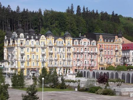 Buildings in the center of Mariánské Lázně / ©David Paloch / Wikimedia Commons