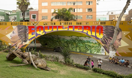 Murals at the start of the Bajada de Baños walkway ©Manuel Orbegozo
