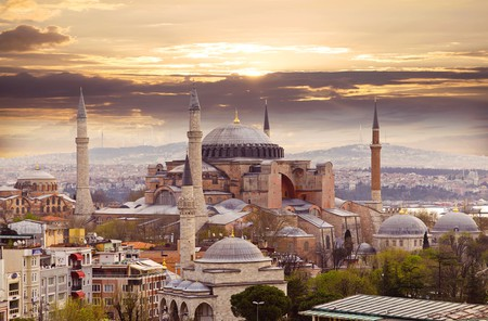 Hagia Sophia in Istanbul. The world famous monument of Byzantine architecture. View of the St. Sophia Cathedral at sunset | ©  LALS STOCK/Shutterstock