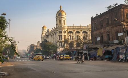 Indian city road at Esplanade Dharmatala Kolkata| © Roop_Dey/Shutterstock