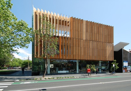 Surry Hills Library   © Elekhh / WikiCommons