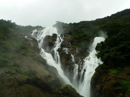 The beautiful Dudhsagar Falls in Goa | © Kumaresh Rajarajan / Flickr