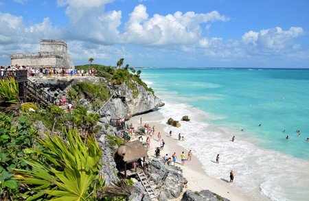"""Tulum's Mayan ruins are to die for <a href=""""https://www.flickr.com/photos/ccordova/6510375183/in/album-72157604221853793/"""">© Christian Córdova/Flickr</a>"""
