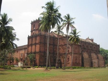 The Basilica of Bom Jesus, Goa | © lawtonjm/Flickr