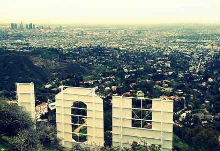 Behind the Hollywood Sign|©James Gubera/Flickr