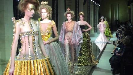 Guo Pei Haute Couture | ©elli ioannou/Vimeo