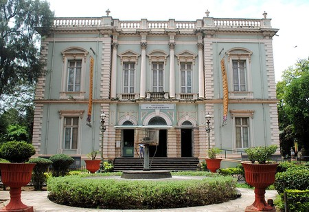 Being the oldest museum in the city, this grand space has seen Mumbai transform twice over