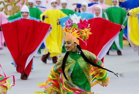 Dance of Spring at Nowruz Celebration in Astana |© Ken & Nyetta/Flickr