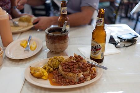 Puerto Rican food and beer | © Jorge Gonzalez/ Flickr