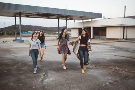 Girls |© Brooke Cagle / unsplash