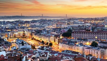 Sunset over Lisbon   © TTstudio/Shutterstock