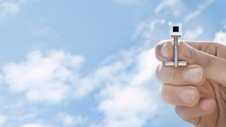 Smog Free Cufflink | Courtesy of Studio Roosegaarde