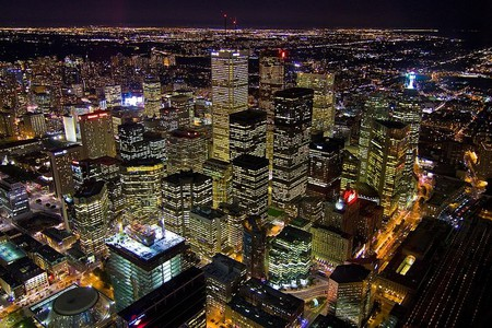 View from the CN Tower at night   © Agunther/ WikiCommons