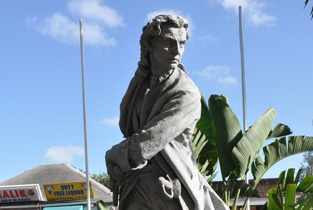 Woodes Rogers statue in Nassau, Bahamas