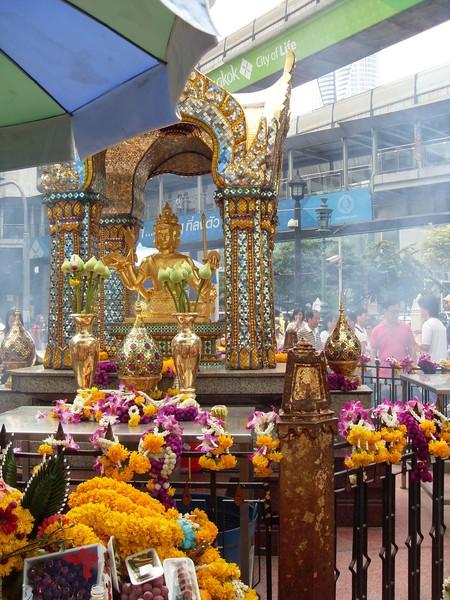 Erawan Shrine, Bangkok    © Genke Kenny Hans / Flickr