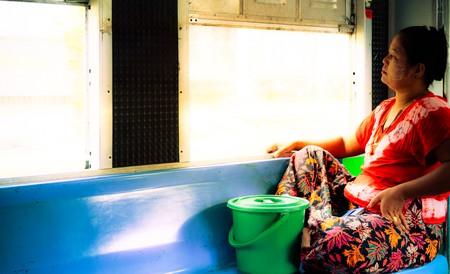 Riding the train in Myanmar | © Alexander Mueller/Flickr