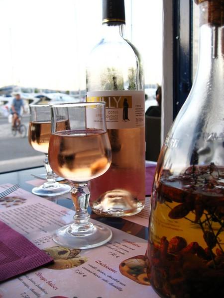 St Tropez has many legendary bars | © W & J/Flickr