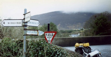 Gaeltacht road signs in Co. Donegal   © Sludge G/Flickr