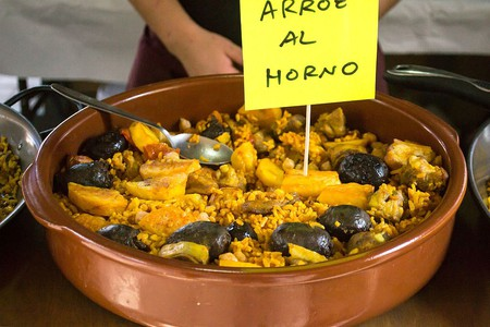 A typical Valencian rice dish baked in the oven | © Wikimedia Commons