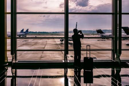 Airport traveler | © Ashim D'Silva