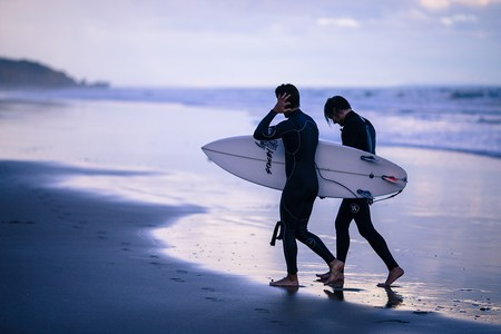 Surf's up    © CC0 Public Domain / MaxPixel