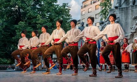 Hungarian folk dancers | © Pixabay