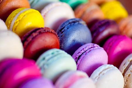Display of vibrant macarons | © Wikimedia Commons
