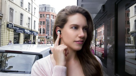 Mymanu Clik earpiece | Courtesy Mymanu