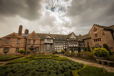 Ordsall Hall   © Michael D Beckwith / Flickr