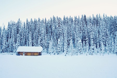 A rental cottage in winter/ Pexels