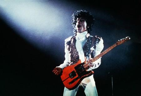 Prince in Purple Rain | © Warner Bros/REX/Shutterstock