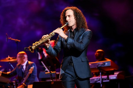 Kenny G performs with Earth, Wind & Fire | © Clint Spaulding/WWD/REX/Shutterstock