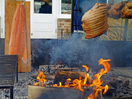 The 'low and slow' method of Argentine barbecue   © Louise Stapley