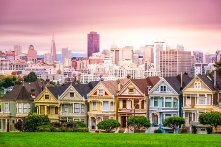 San Francisco, California cityscape at Alamo Square | © Sean Pavone / Shutterstock