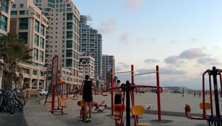 "<a href=""https://www.flickr.com/photos/eavasi/15000242665/"" target=""_blank"">Tel Aviv's public gyms | © Eugenie Vasilyeff / Flickr</a>"