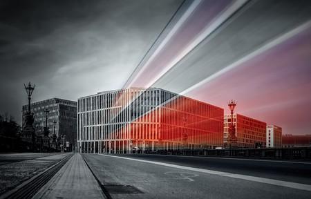 "<a href="" https://pixabay.com/en/tram-berlin-moltke-bridge-2209093/""> Moltke Bridge, Berlin | © Tilgnerpictures/Pixabay</a>"
