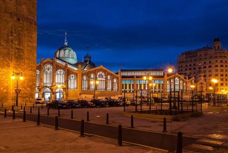 Valencia's Central Market at night. Photo: Wikimedia Commons
