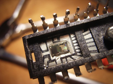 Integrated Circuit Optical Sensor Used In LiFi Technologies | © WikiCommons