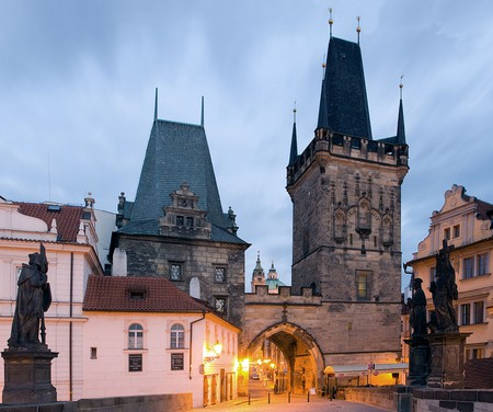Historical Charles Bridge | © Massimo Catarinella/Wikimedia Commons