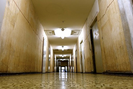An ominous corridor in the Stasi Museum | © Martin Hearn/ Flickr