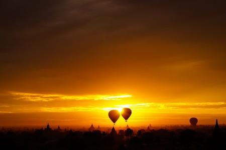 Sunrise in Bagan    © Alexander Mueller/Flickr