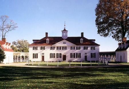 Mount Vernon  © Alan & Flora Botting/Flickr