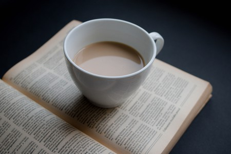 "<a href=""https://www.flickr.com/photos/30478819@N08/33396455176""> Coffee & Book © Marco Verch/Flickr</a>"