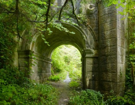 Path Beneath Overtoun Bridge | Lairich Rig/Geograph