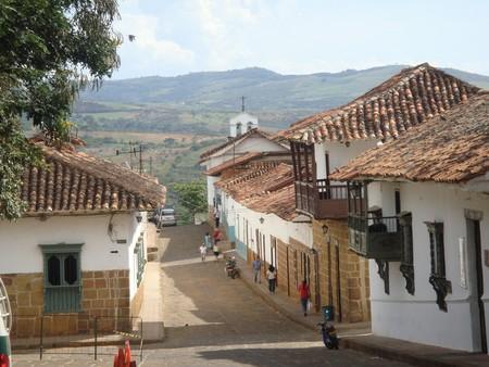 Barichara Colombia   © amanderson2/Flickr https://www.flickr.com/photos/amanderson/4154992943/in/photolist-7kaqDn-7kem45-9eW3Ru-9eW3dw-9eW3o1-qQLC2U-qyhHcd-9eSX5c-9eSUuk-9eSUm6-9eW43d-9eSVJF-9eSUe2-9eSVVt-9eSUCX-6xyqep-qyhEV9-9eSVan-6xyq9p-9eW5NL-LdCctC-LnWqTX-Lk3LyW-LnWa38-KWBBLm-Lk3HkS-LdCbxj-LnWtKt-LdC7Qj-LnWkXV-Lk3o57-KWBd4m-Lk3MJb-Krgaek-Lg84Xe-KqYF4q-LdC3Wh-6nWFbw-5kgjSM-bYPCM1-qNy8jd-qQQZ1x-qyoVmR-7kekrN-9eSWwx-sbVfby-5w1bWr-qEDYuQ-qNy5A7-9eSWLV