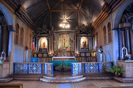 Church altar in Chiloe | © paz guentelican/Flickr