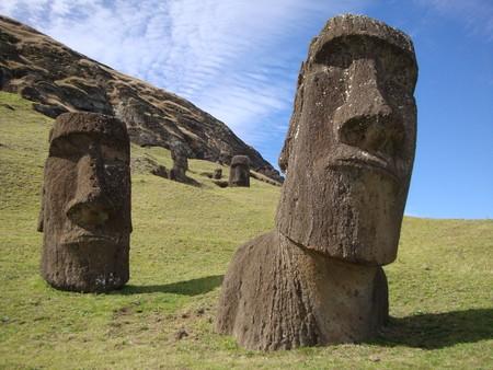 Moai statues of Easter Island | ©Iñi Piñi / Flickr